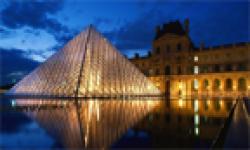 Pyramide du Louvre head